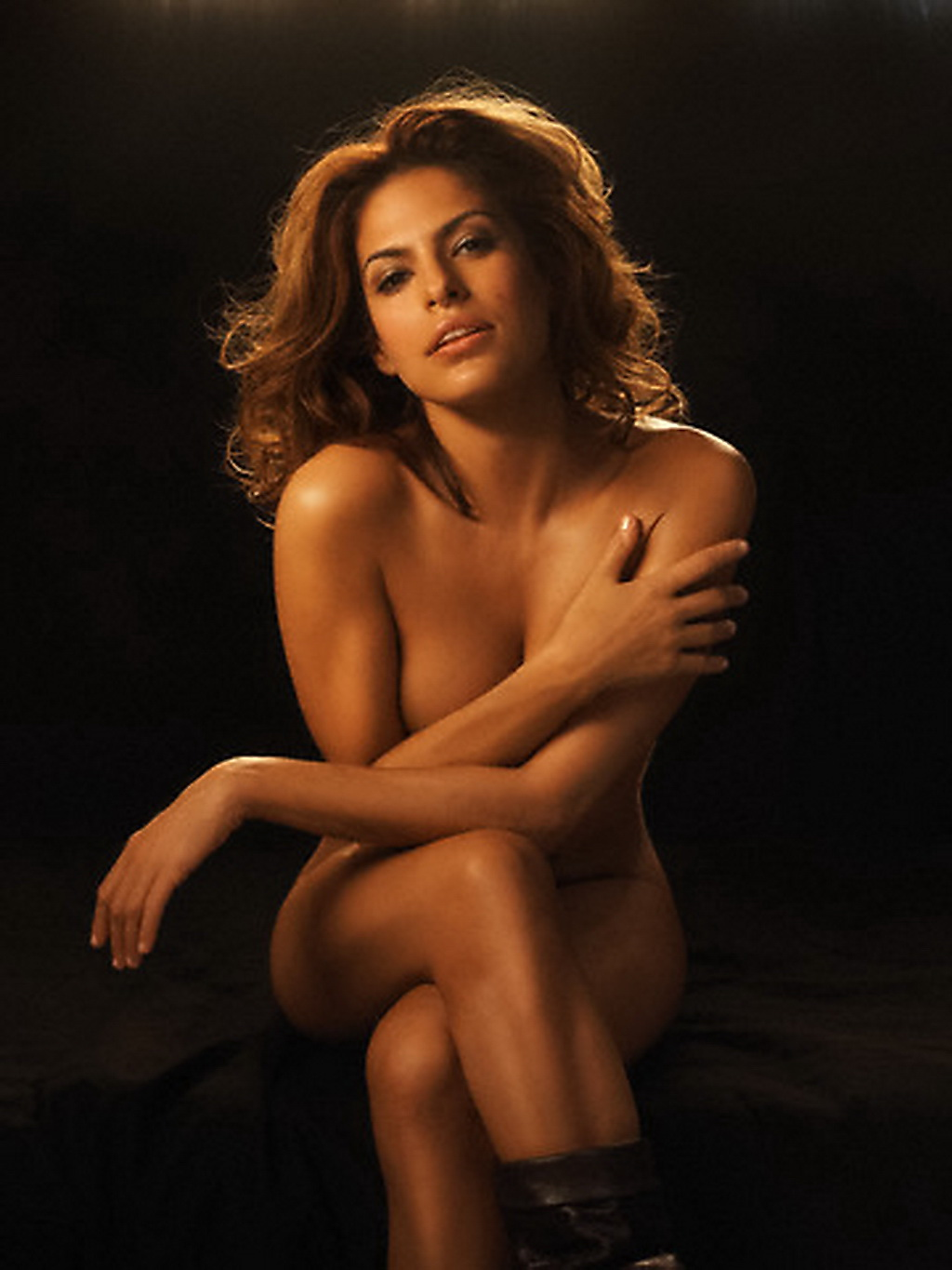 video-eva-mendes-golaya